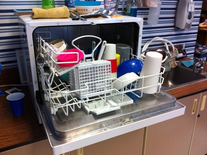 cosa non lavare in lavastoviglie