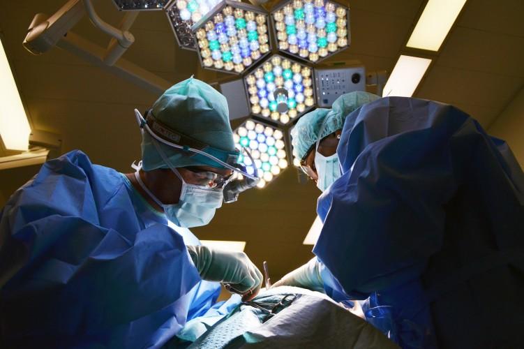 Quanto tempo ci vuole per riprendersi da un intervento di chirurgia plastica?